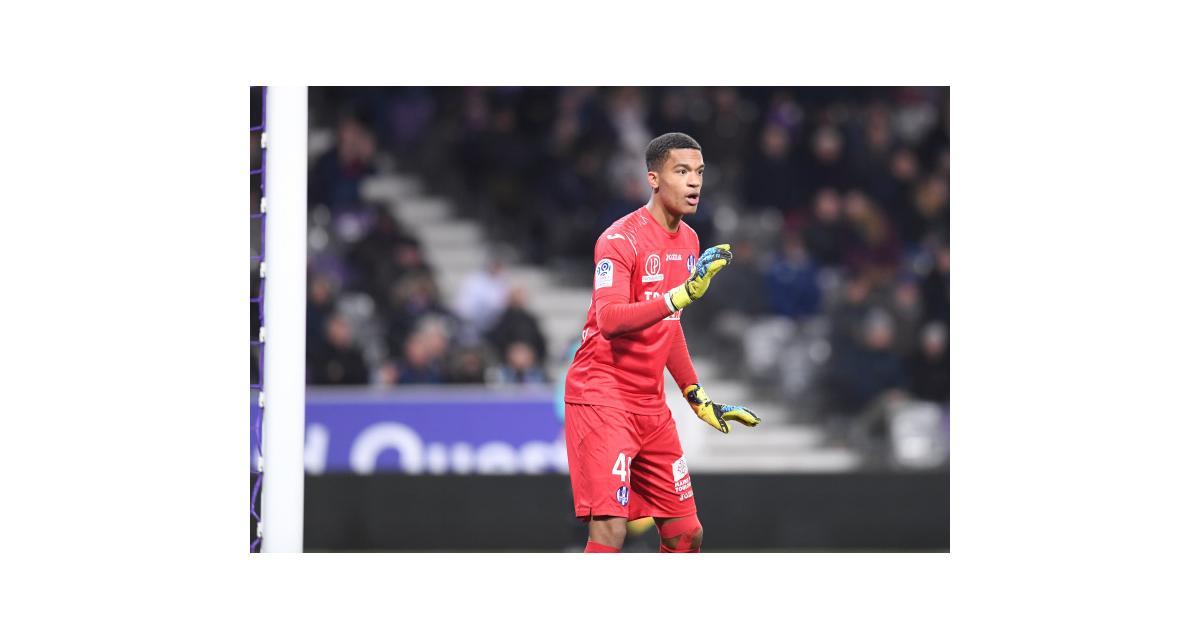 FC Nantes - Mercato : Alban Lafont prêté deux ans aux Canaris (officiel)