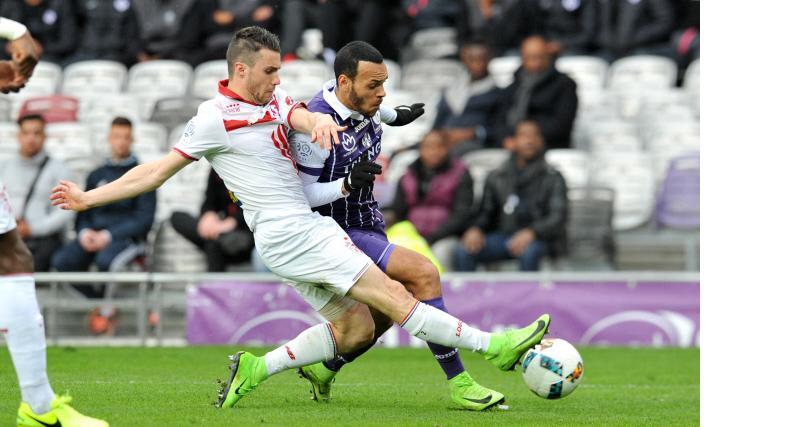 RC Strasbourg - Mercato : à la lutte avec le Stade Rennais pour le successeur de Kenny Lala