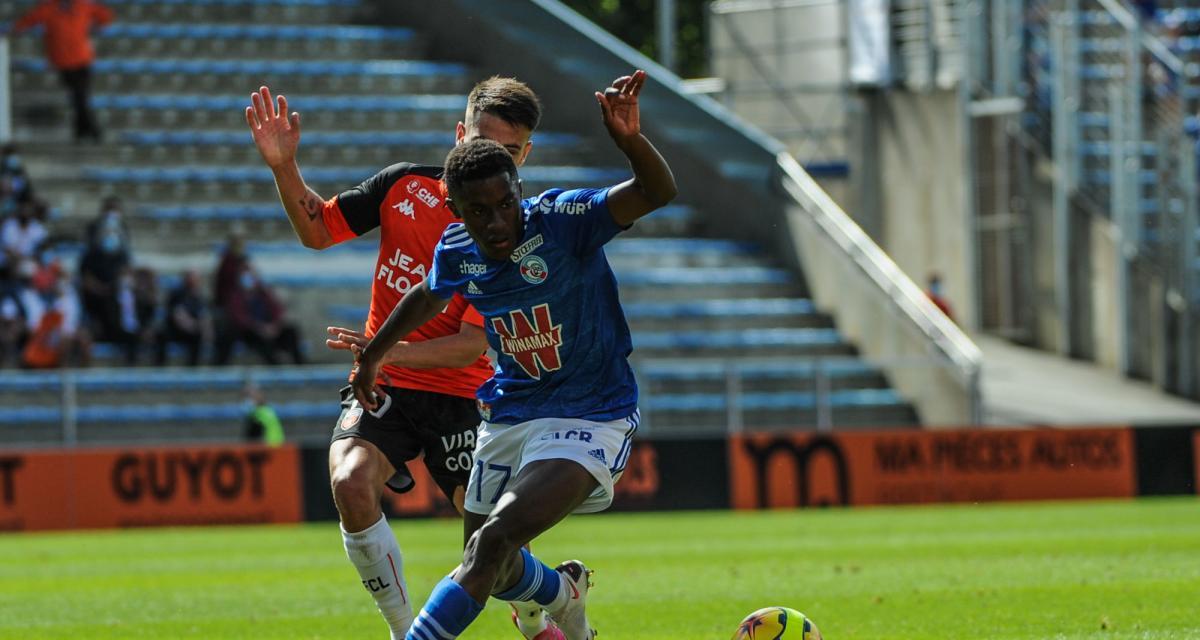 Résultats Ligue 1 : le RC Strasbourg chute à Lorient, Nîmes cartonne contre Brest