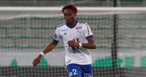 Stade Rennais – Mercato : les trois raisons qui compliquent le dossier Simakan (RC Strasbourg)