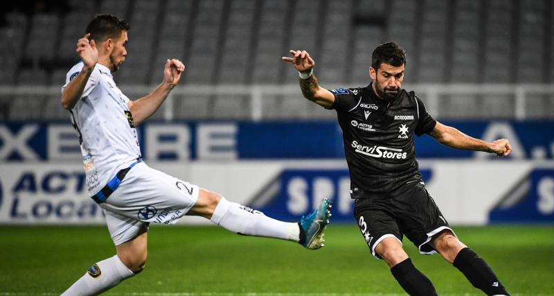 Résultats Ligue 2 : l'AJA cartonne, le PFC assure, les scores et les buteurs à la pause