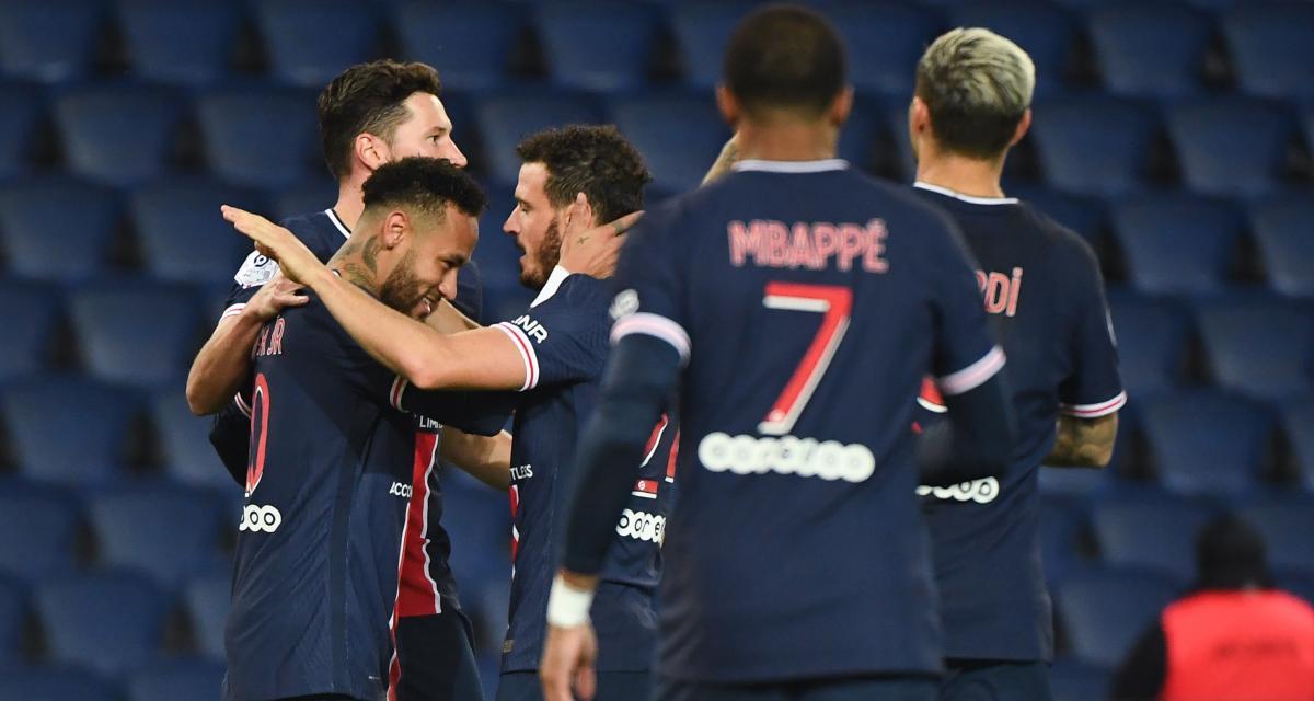 PSG : Neymar s'est mis en mode Cristiano Ronaldo dans le vestiaire parisien