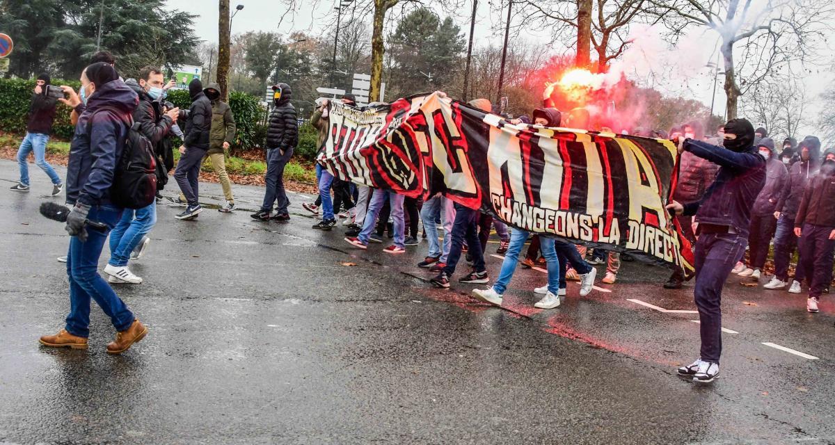 FC Nantes : Pierre Ménès dénonce des dérapages scandaleux de supporters autour de Kita