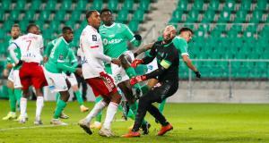 ASSE - OL (0-5) : Pierre Ménès fait redescendre les supporters lyonnais en brisant les Verts !