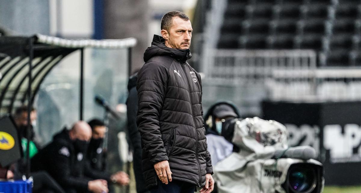 Nîmes Olympique : Jérôme Arpinon mis à pied, Plancque le remplace (officiel)