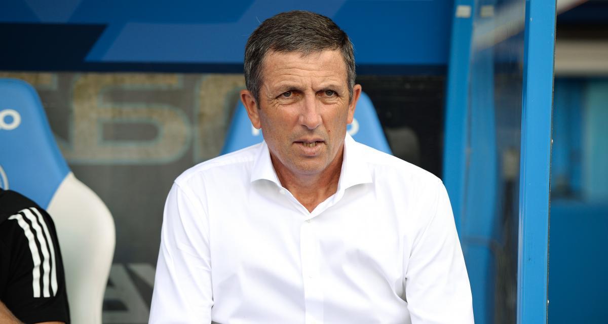 Nîmes - RC Strasbourg (1-1) : quand Laurey s'emporte contre l'un de ses joueurs en plein match