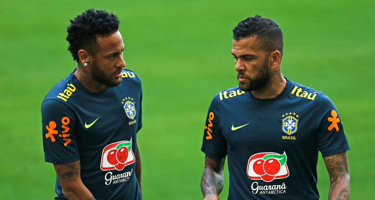 FC Barcelone, PSG - Mercato : Alves fait une confidence qui va énerver Neymar
