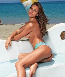 irina-topless4