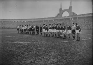 l-equipe-de-l-asse-au-stade-gerland-a-lyon-vers-1950-5-fi-8315-._img