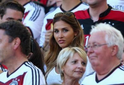 Coupe du Monde : la très sexy Madame Götze a rendu fou la toile !